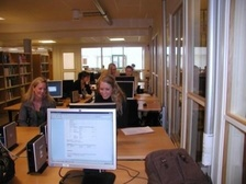 students at vvh library